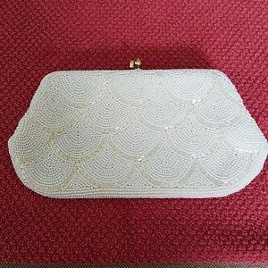 Vintage ItalianBeaded clutch w/silver chain handle